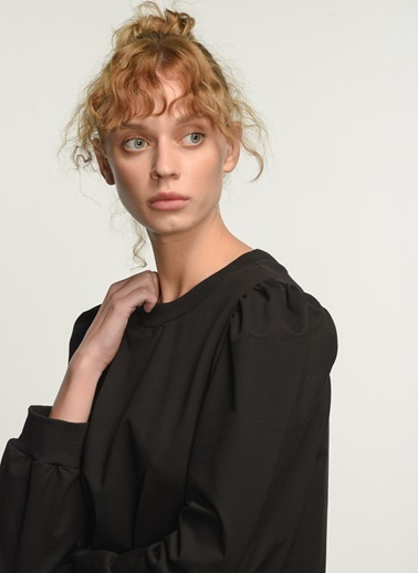 People By Fabrika Kadın Omuzları Büzgülü Sweatshirt PFKAW20SW0007 Siyah